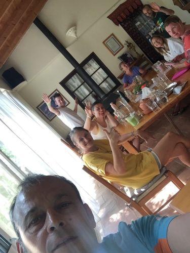 group selfie at juice fasting retreat
